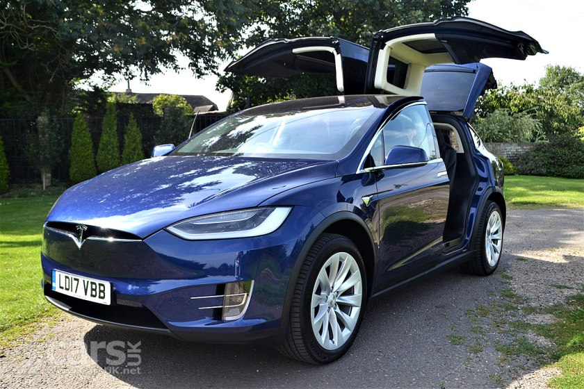2017 Tesla Model X 100D Reviewed