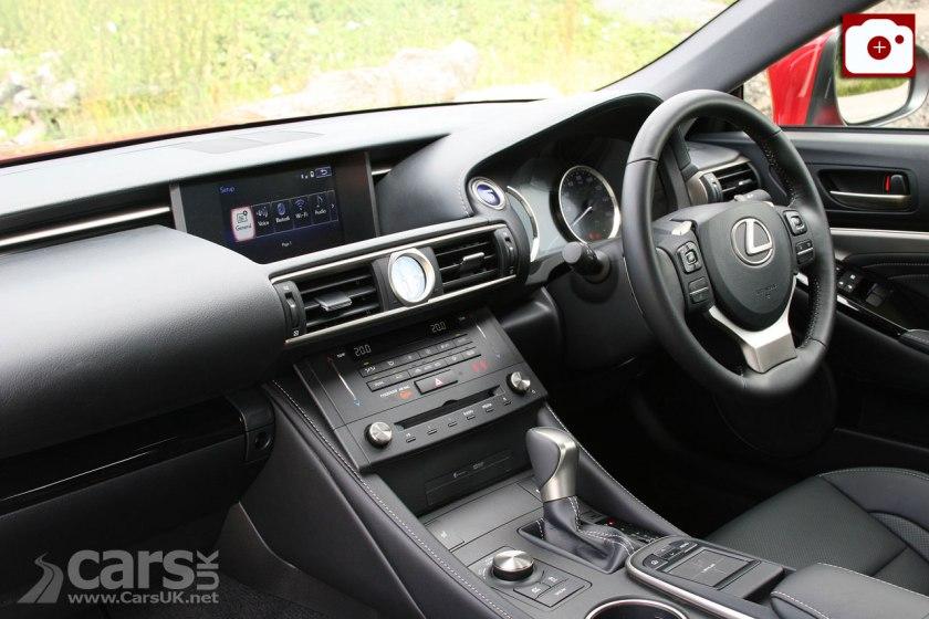 Lexus RC 300h Luxury Interior