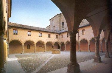 una visuale del chiostro di San Francesco