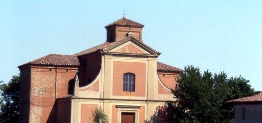 Strada - Facciata della chiesa