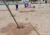Plantación árboles en CEIP Asdrúbal y CEIP Nuestra Señora del Mar