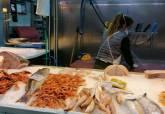 Colas en el mercado de Santa Florentina que ha reforzado sus medidas de control por el coronavirus