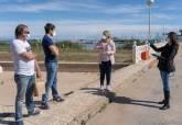 Vista de la vicealcaldesa y la directora general del Mar Menor a Los Nietos y a la desembocadura de la Rambla de El Albujón