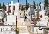 Festividad de Todos los Santos en el cementerio de San Antón