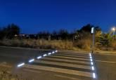 Imagen nocturna de un paso de peatones dotado con este mismo sistema en Santa Ana