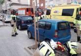 Bomberos auxilian a un conductor de 72 años tras sufrir un accidente en Urbanización Mediterráneo