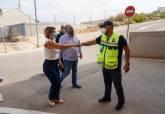 La alcaldesa supervisa el operativo de seguridad que participa en La Vuelta a España