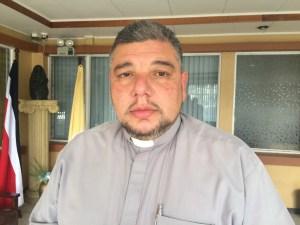Fracisco Arias, rector del Santuario Nacional informó que durante toda la madrugada del 2 de agosto la Basílica permanecerá abierta. Foto: Cartagohoy