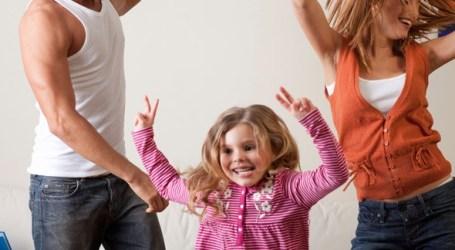 Gym Up celebra el Día de la Familia bailando