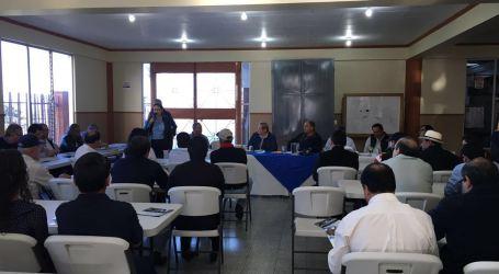 Presidente dialogo con horticultores de zona norte de Cartago
