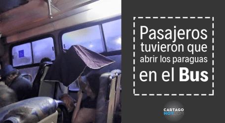 Usuarios denuncian filtraciones de agua en buses de Lumaca
