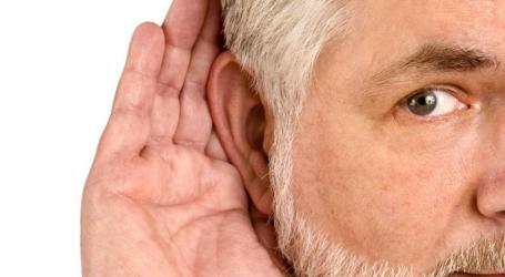 Mayores de 65 años se pueden realizar exámenes auditivos gratuitos