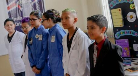 Escolares cartagineses ponen en alto a Costa Rica en competencia mundial de robótica