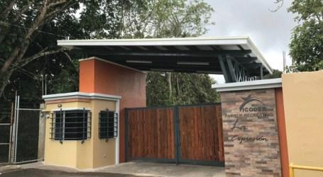 ICODER asegura que corregirá el nombre en la pared de ingreso del Parque Recreativo