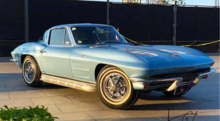 Exhibición de autos antiguos en honor a papá