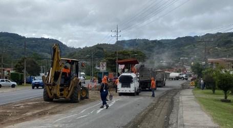 Obras de mantenimiento vial se realizan en entrada a San Isidro