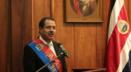 """Mario Redondo: """"La política es para servir y no para servirse"""""""