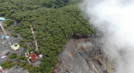 Imágenes del deslizamiento en el Volcán Irazú