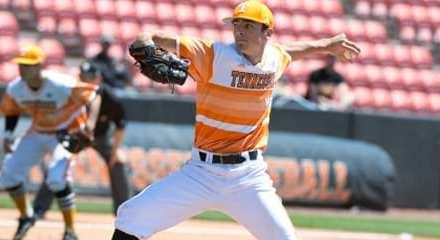 Tennessee baseball takes series over Kentucky