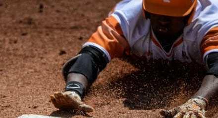 Vols baseball falls in 12-inning thriller