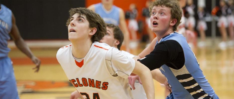 Lady Cyclones roll, 'Betsy boys fall