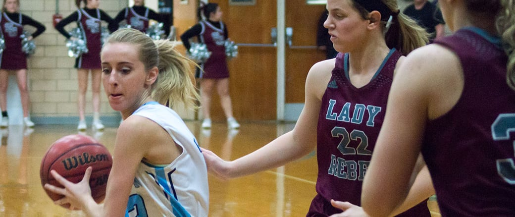 Lady Bulldogs upset South Greene, Bulldogs roll