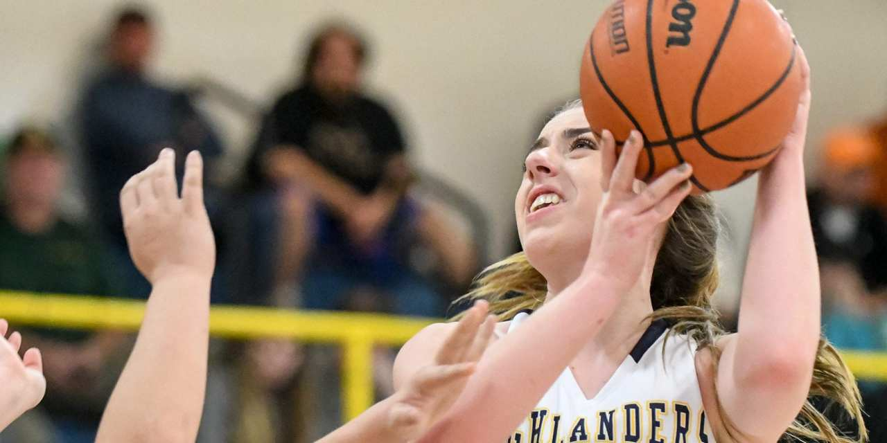 'Landers, Lady 'Landers roll past Rockwood