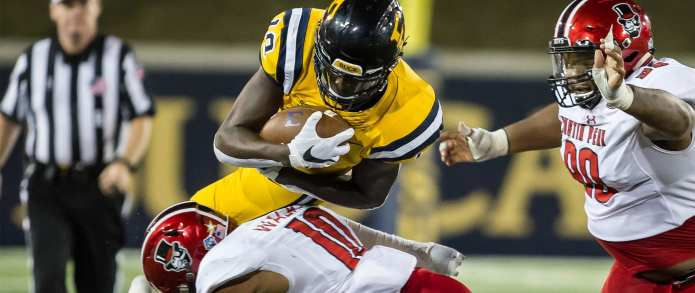 Photo Gallery: Bucs hold off Govs for nonconference win