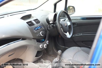 Chevrolet Beat interior photo and road test