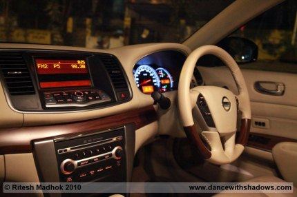 nissan teana interior photo