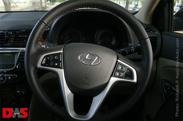 hyundai verna steering wheel photo