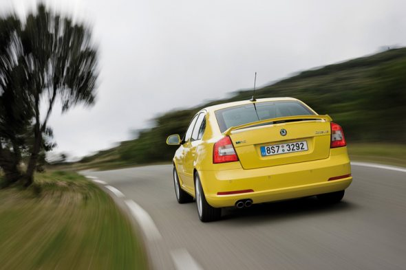 skoda octavia rs liftback rear photo