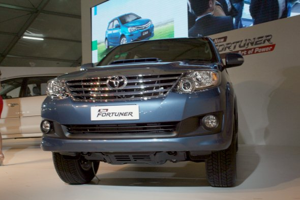 new toyota fortuner photo gallery 2