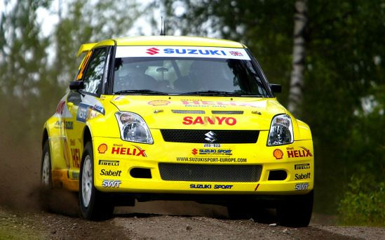suzuki swift rally car photo