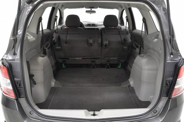 chevrolet-spin-boot-photo-2