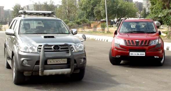 mahindra-xuv500-vs-fortuner