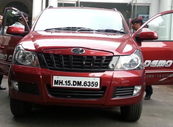 mahindra-quanto-drive-photo