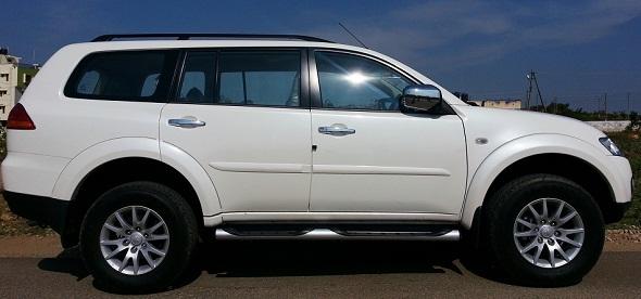 Mitsubishi Pajero Sport side photo