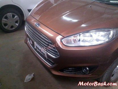 Ford Fiesta Facelift Sedan Spyshot 1