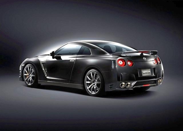 2015 Nissan GT-R Sportscar 10