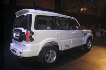 2014 Mahindra Scorpio SUV Facelift 26