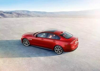 2015 Jaguar XE Luxury Sedan 7