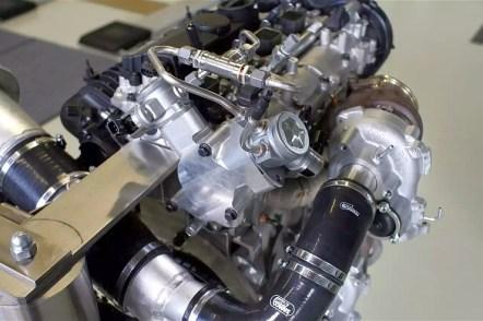 Volvo Drive-E 2 Liter Triple Turbo Petrol Engine 1