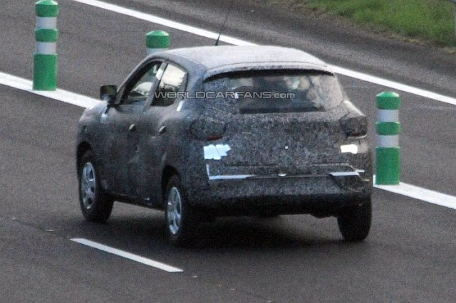 Renault Low Cost Crossover Spyshot Pic