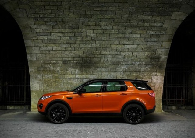 2015 Land Rover Discovery Sport SUV Profile