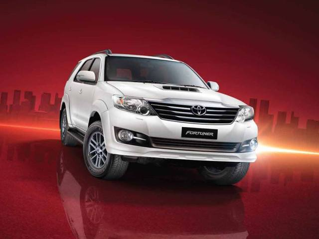 Toyota Fortuner 4X4 AT 3