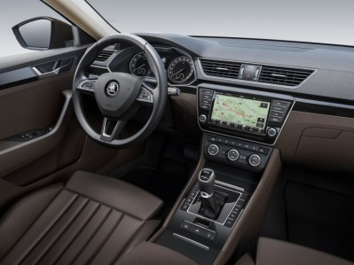 016 Skoda Superb Luxury Saloon Interiors
