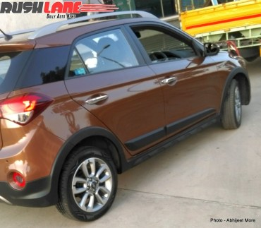 Hyundai i20 Active Crossover Spyshot Rear Three Quarters
