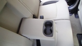 Middle row cup holders