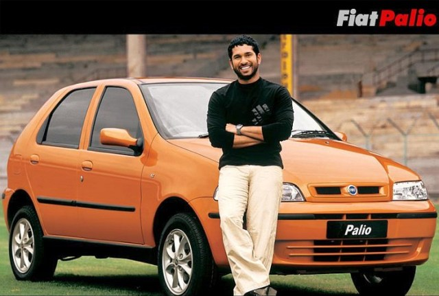 Sachin Tendulkar with the Fiat Palio